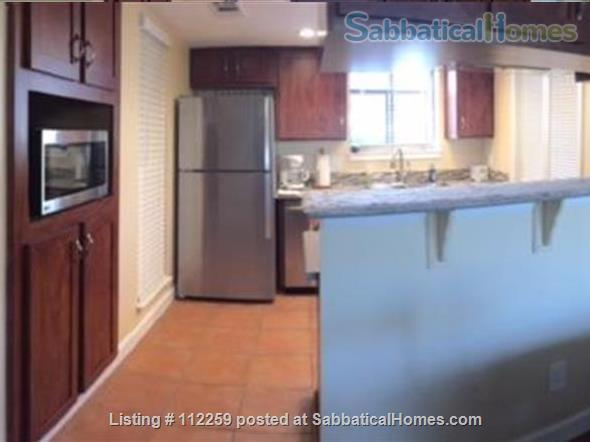 Condo in Central Austin, Bike friendly, bus friendly and reserved parking! Home Rental in Austin, Texas, United States 3