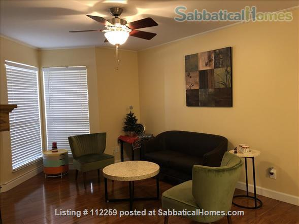 Condo in Central Austin, Bike friendly, bus friendly and reserved parking! Home Rental in Austin, Texas, United States 7