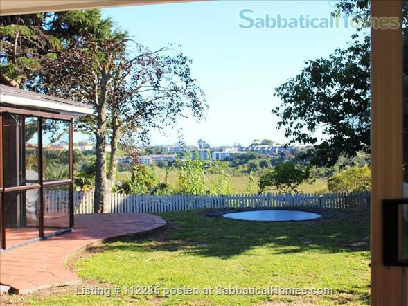 FAMILY HOME 4 bedrooms 3 bathrooms in North Shore, Auckland - so close to city, beaches and parks - great public transport Home Rental in Auckland, Auckland, New Zealand 2