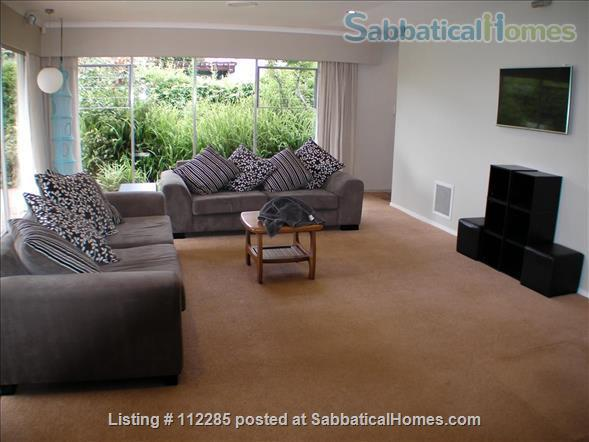 FAMILY HOME 4 bedrooms 3 bathrooms in North Shore, Auckland - so close to city, beaches and parks - great public transport Home Rental in Auckland, Auckland, New Zealand 3