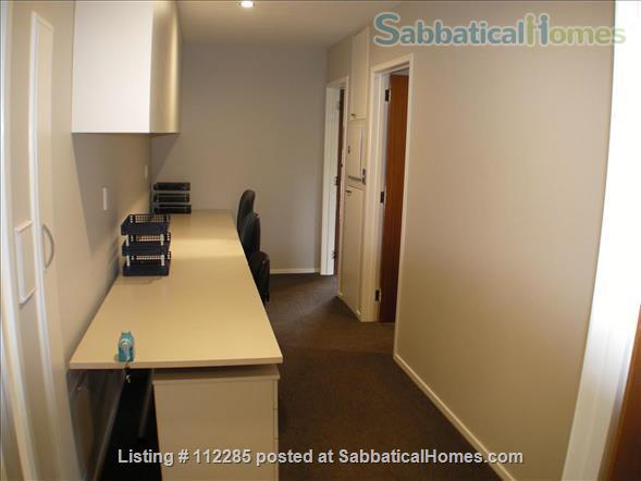 FAMILY HOME 4 bedrooms 3 bathrooms in North Shore, Auckland - so close to city, beaches and parks - great public transport Home Rental in Auckland, Auckland, New Zealand 7