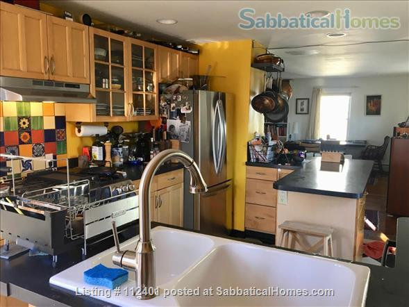 Comfortable 3 BD/2BA in Cambridge MA, close to Harvard and MIT Home Rental in Cambridge, Massachusetts, United States 1