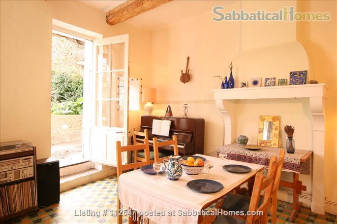 Charming 3-bedroom house in Provençal village                     Home Rental in Mirabel-aux-Baronnies, Auvergne-Rhône-Alpes, France 2