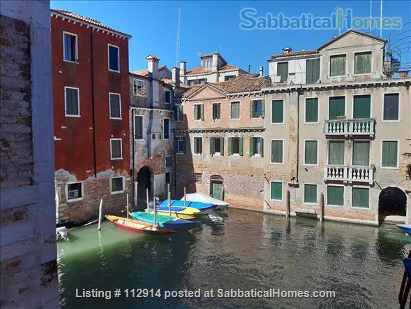 A cozy apartment in the most authentic area of Venice Home Rental in Venezia, Veneto, Italy 9