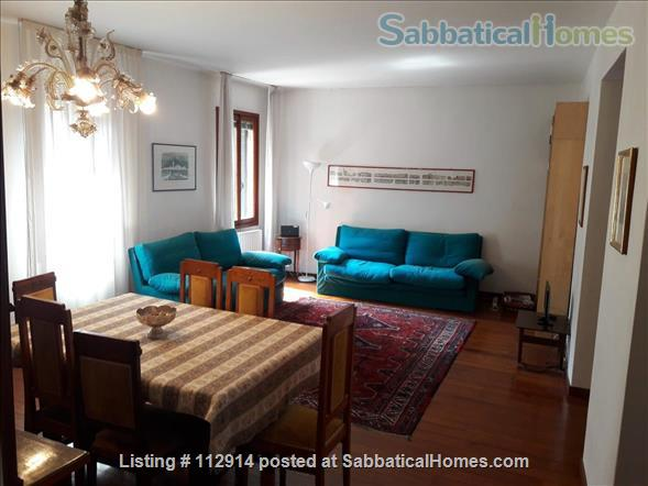 A cozy apartment in the most authentic area of Venice Home Rental in Venezia, Veneto, Italy 2
