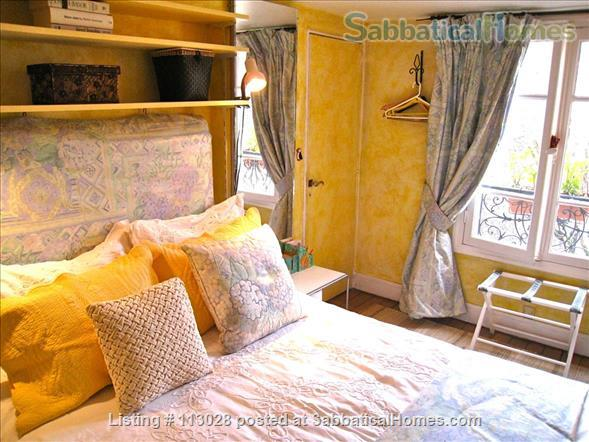LUMINOUS   ARTIST'S   LOFT -  R o m a n t i c  -  C e n t r a l : walk to Eiffel Tower & Museums. Nestled between two gardens (2 bedrooms, 2 full bathrooms).  ONLY AVAILABLE UNFURNISHED. Also available to purchase. Home Rental in Paris, Île-de-France, France 5