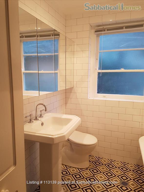 Melrose,  Art Deco apartment on Sydney Harbour, Sydney central Home Rental in Elizabeth Bay, NSW, Australia 9