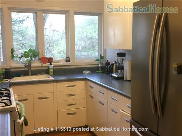 Fully-Furnished Townhouse in Spring Glen, Hamden - within the Spring Glen School District, mins from  Yale University Home Rental in Hamden, Connecticut, United States 2