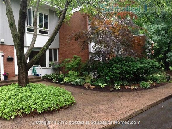 Fully-Furnished Townhouse in Spring Glen, Hamden - within the Spring Glen School District, mins from  Yale University Home Exchange in Hamden, Connecticut, United States 7