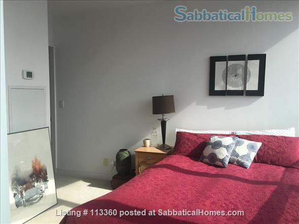 Elegant apartment with lake and city view near U of T & hospitals Home Rental in Toronto, Ontario, Canada 4