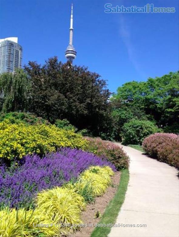 Elegant apartment with lake and city view near U of T & hospitals Home Rental in Toronto, Ontario, Canada 8