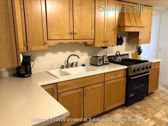 On Lake Mendota, near campus, 3BR, 2-bath, garage. Large dock and deck! Home Rental in Madison, Wisconsin, United States 6
