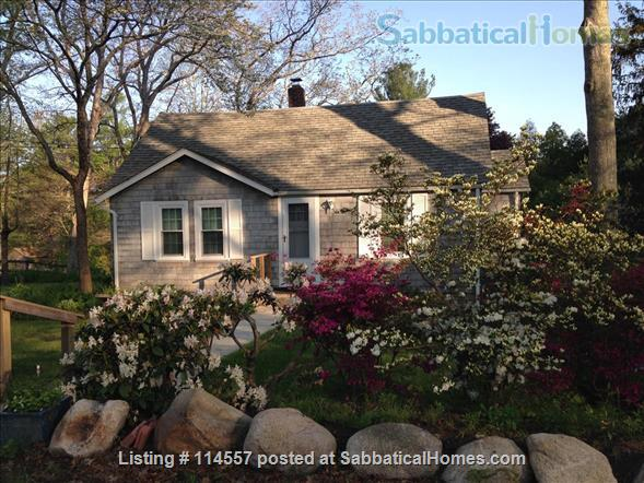 Cozy country cottage Home Rental in South Kingstown, Rhode Island, United States 1
