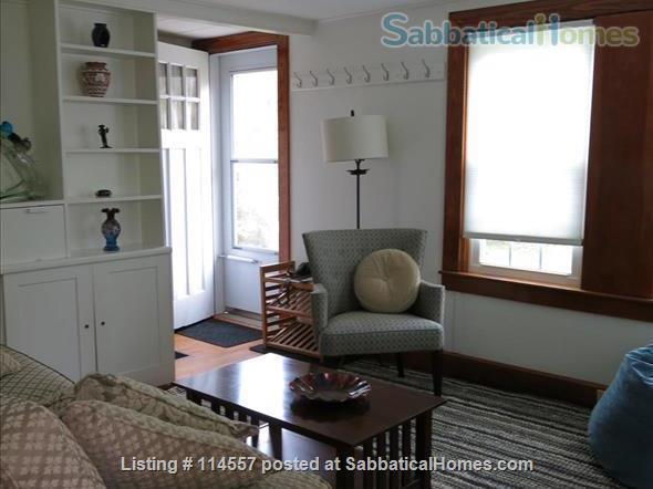 Cozy country cottage Home Rental in South Kingstown, Rhode Island, United States 0