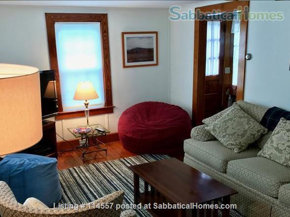 Cozy country cottage Home Rental in South Kingstown, Rhode Island, United States 2