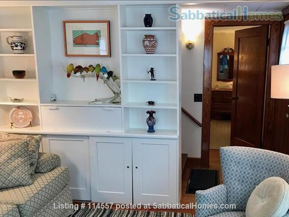 Cozy country cottage Home Rental in South Kingstown, Rhode Island, United States 3
