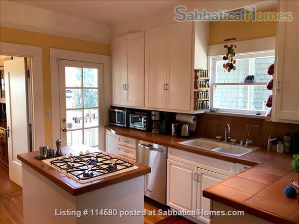 Berkeley Hills Craftsman with stunning bay views, close to campus Home Rental in Berkeley, California, United States 4
