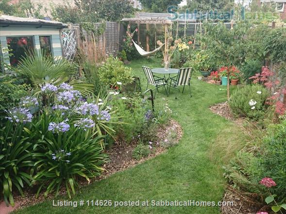 Bright 3 bed family home in Cambridge UK, with beautiful garden including raised bed and toddler safe pond! Home Rental in Cambridge, England, United Kingdom 1