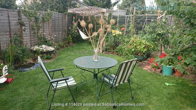 Bright 3 bed family home in Cambridge UK, with beautiful garden including raised bed and toddler safe pond! Home Rental in Cambridge, England, United Kingdom 2