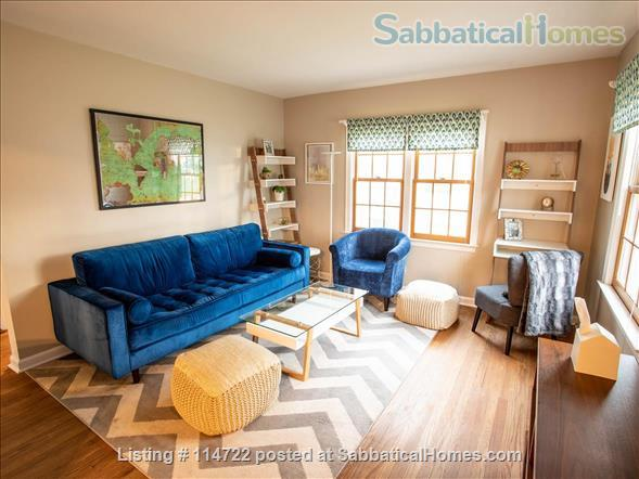 Adorable ranch bungalow just steps from Allmendinger Park and UM Stadium. Home Rental in Ann Arbor, Michigan, United States 0