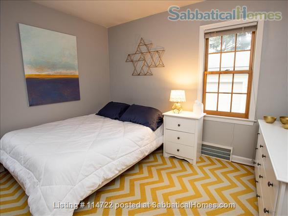 Adorable ranch bungalow just steps from Allmendinger Park and UM Stadium. Home Rental in Ann Arbor, Michigan, United States 4