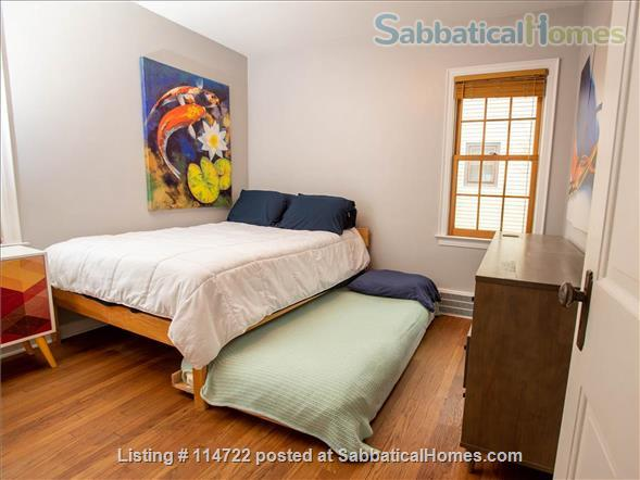 Adorable ranch bungalow just steps from Allmendinger Park and UM Stadium. Home Rental in Ann Arbor, Michigan, United States 6