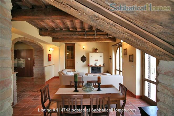 Country House with Pool on Tuscany/Umbria Border near Perugia Home Rental in Provincia di Perugia, Umbria, Italy 3