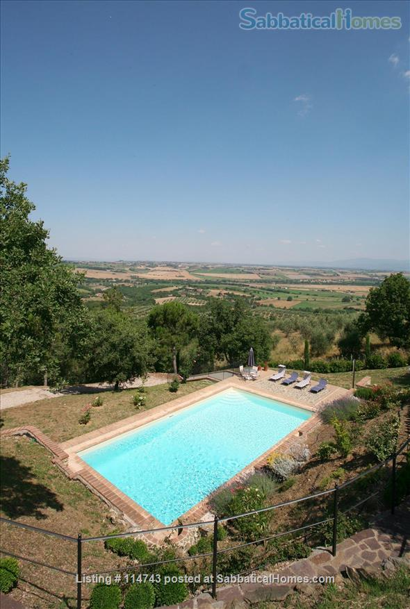 Country House with Pool on Tuscany/Umbria Border near Perugia Home Rental in Provincia di Perugia, Umbria, Italy 5