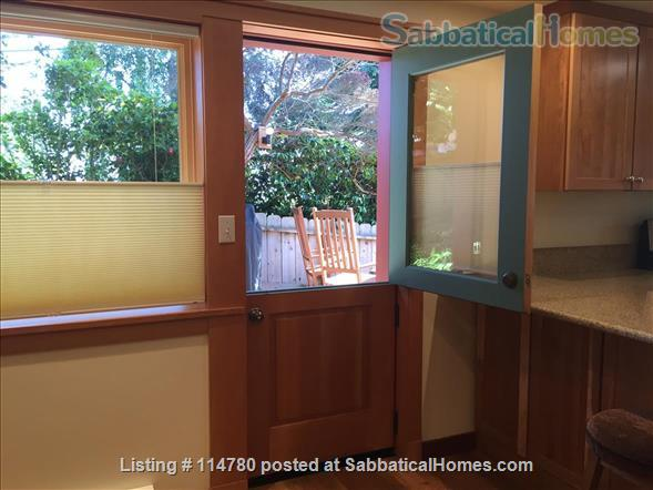 Idyllic Spacious Kensington/North Berkeley Studio With Private Deck And Views. Close To Berkeley & UCB. Home Rental in Kensington, California, United States 2