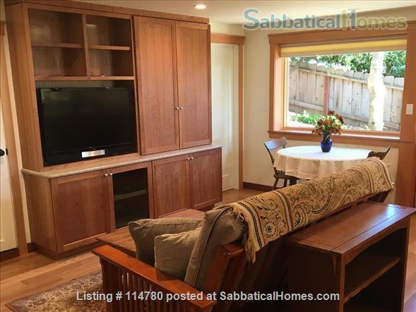 Idyllic Spacious Kensington/North Berkeley Studio With Private Deck And Views. Close To Berkeley & UCB. Home Rental in Kensington, California, United States 3