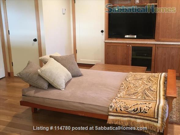 Idyllic Spacious Kensington/North Berkeley Studio With Private Deck And Views. Close To Berkeley & UCB. Home Rental in Kensington, California, United States 4