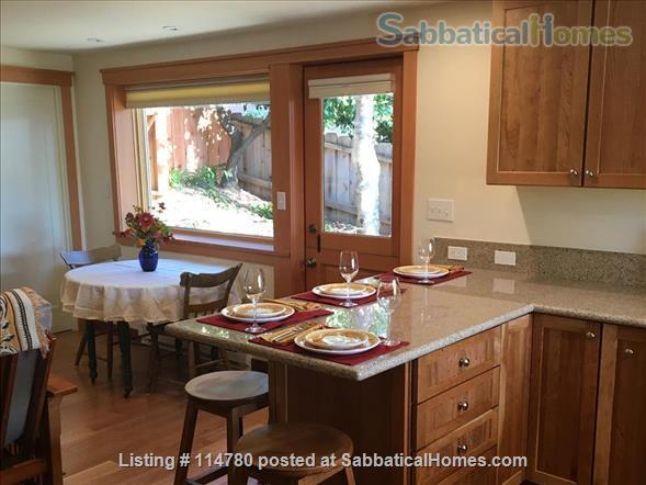 Idyllic Spacious Kensington/North Berkeley Studio With Private Deck And Views. Close To Berkeley & UCB. Home Rental in Kensington, California, United States 5