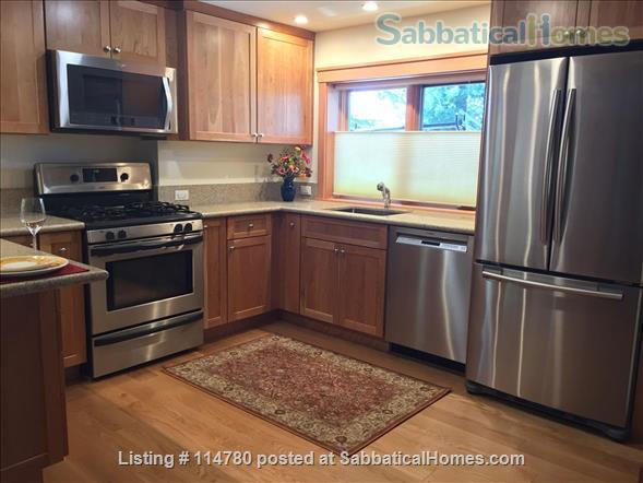 Idyllic Spacious Kensington/North Berkeley Studio With Private Deck And Views. Close To Berkeley & UCB. Home Rental in Kensington, California, United States 6