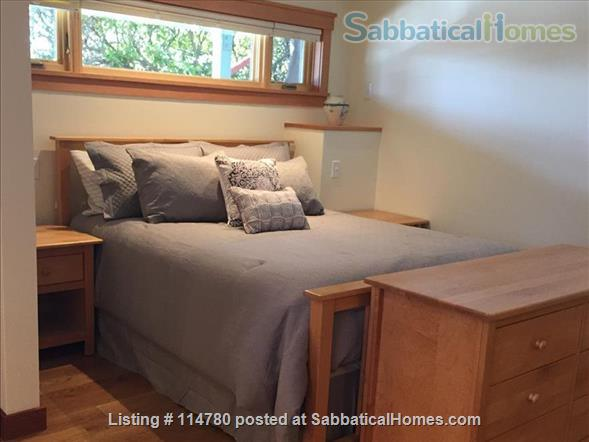 Idyllic Spacious Kensington/North Berkeley Studio With Private Deck And Views. Close To Berkeley & UCB. Home Rental in Kensington, California, United States 7