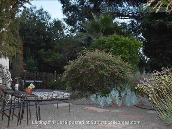 Charming Garden Studio Home Rental in Oakland, California, United States 7
