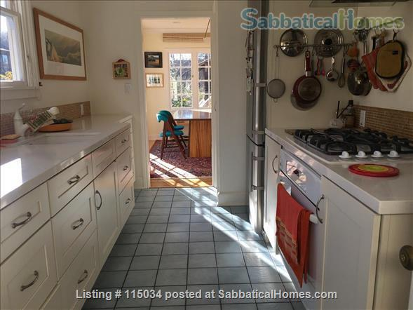 Light-Filled Cottage 5 Blocks UCB Home Exchange in Berkeley, California, United States 4