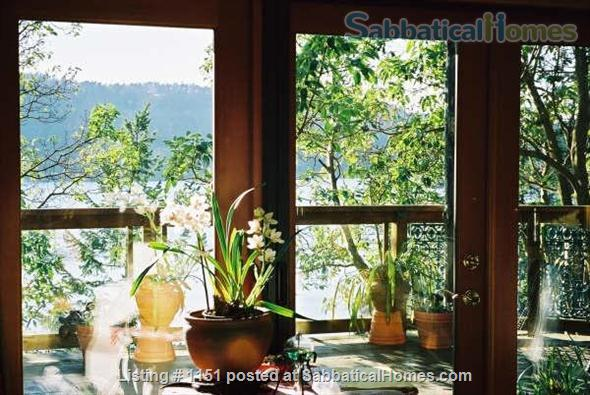 Kingfisher Cove,  Oceanfront Cottage in Southern Gulf Islands,  next to National/Marine Park, with dock & deep water moorage,  40 MIN ferry to Swartz Bay/Victoria +20 mins to UVic; or ferry/float plane to Vancouver/UBC Home Rental in Pender Island, British Columbia, Canada 6