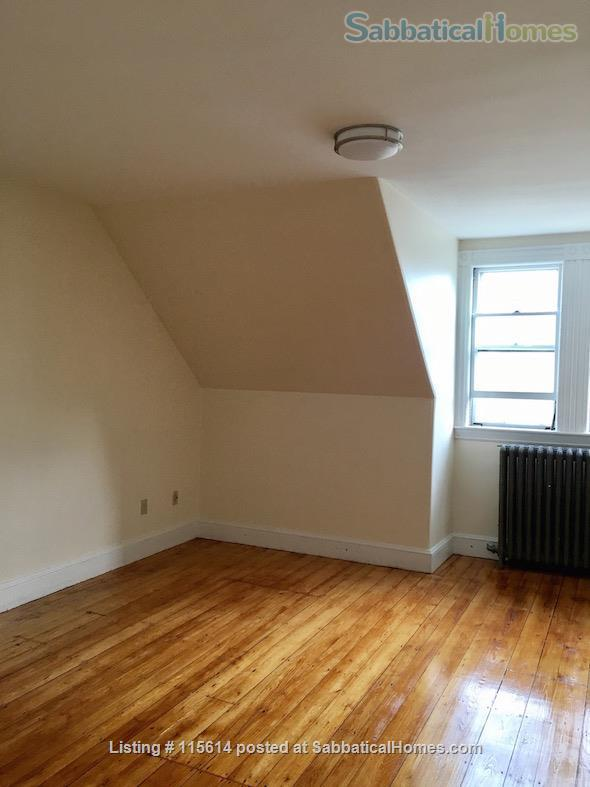 Private 3rd Floor Unit: 2 Large, Sunny Bedrooms, Luxury Bathroom & Kitchenette. Private Entrance. Short Walk to T (Green Line), Near Rte 95/128  Home Rental in Newton, Massachusetts, United States 5