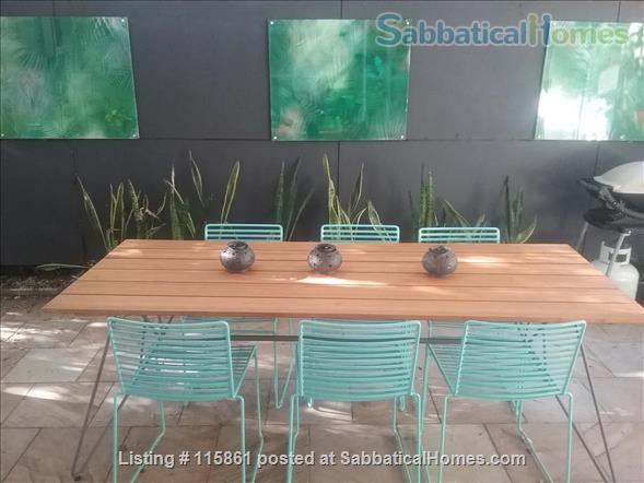 Treetop Townhouse in St Lucia Home Rental in St Lucia, QLD, Australia 2