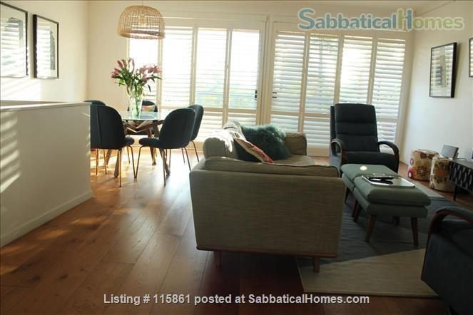 Treetop Townhouse in St Lucia Home Rental in St Lucia, QLD, Australia 3