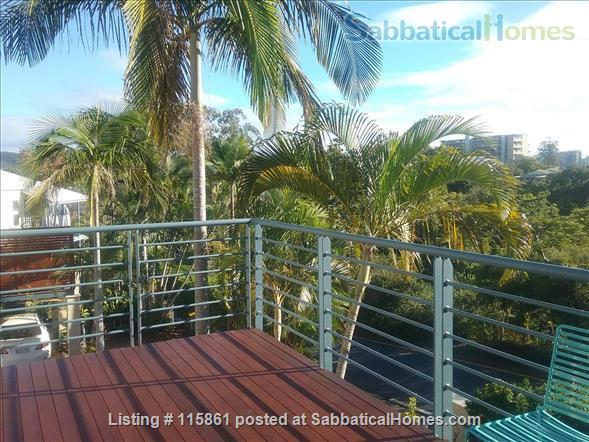 Treetop Townhouse in St Lucia Home Rental in St Lucia, QLD, Australia 5