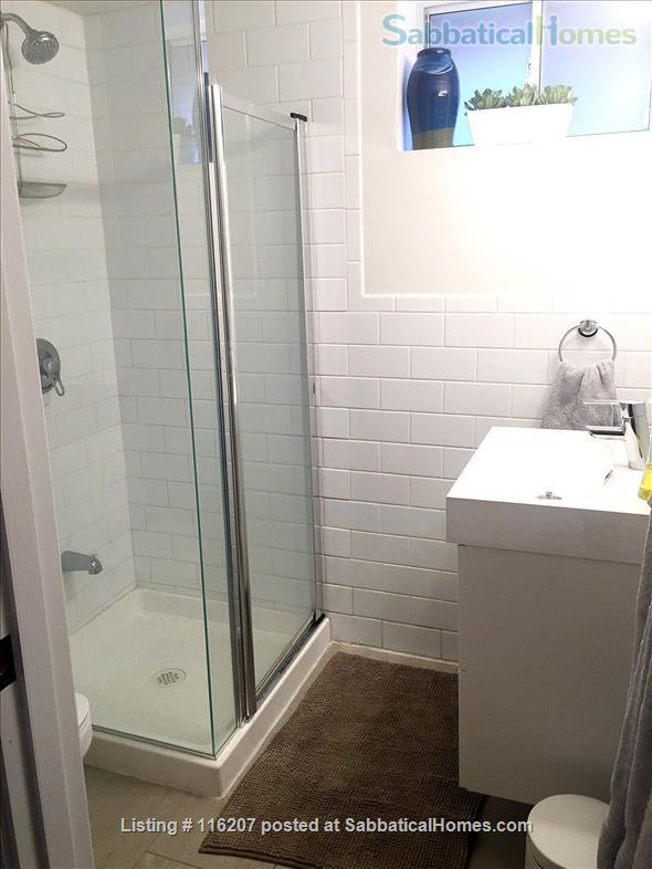 1 Bedroom + Den Beautiful Renovated Furnished Aparment Home Rental in Toronto, Ontario, Canada 7