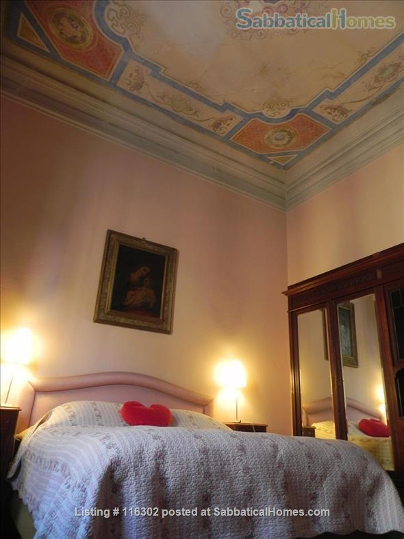 Splendid XVIII Ce 2500sqf Apartm @ Florence near Santa Croce Home Exchange in Florence 4