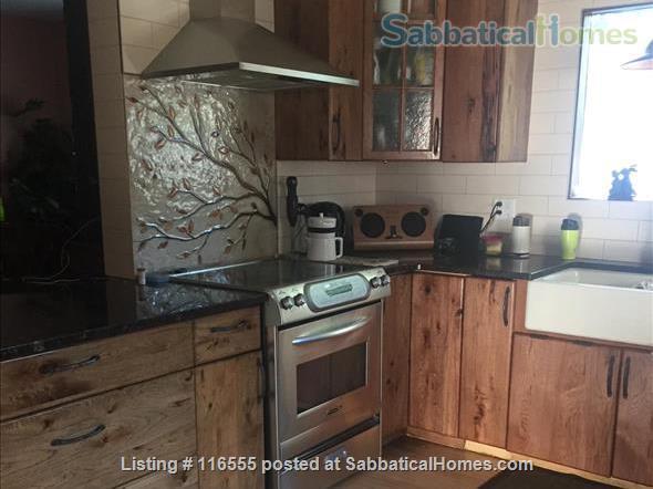 5 bedroom Garneau Home 2 blocks from U of A Home Rental in Edmonton, Alberta, Canada 4