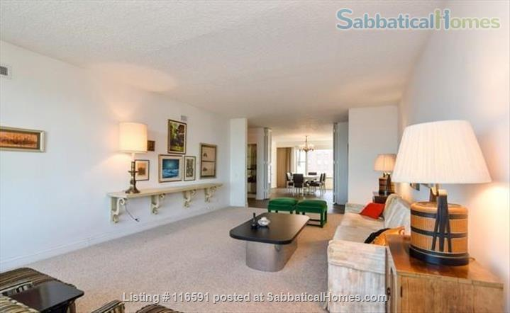 Spacious Lakeview Penthouse - Furnished 2br 2ba - all internet, tv, & utilities included! - Academic Year Lease Home Rental in Chicago, Illinois, United States 3