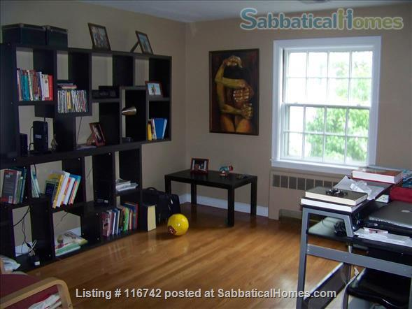 3 Bedrooms furnished / w Parking / Close bus to Harvard Sq.  Home Rental in Belmont, Massachusetts, United States 4