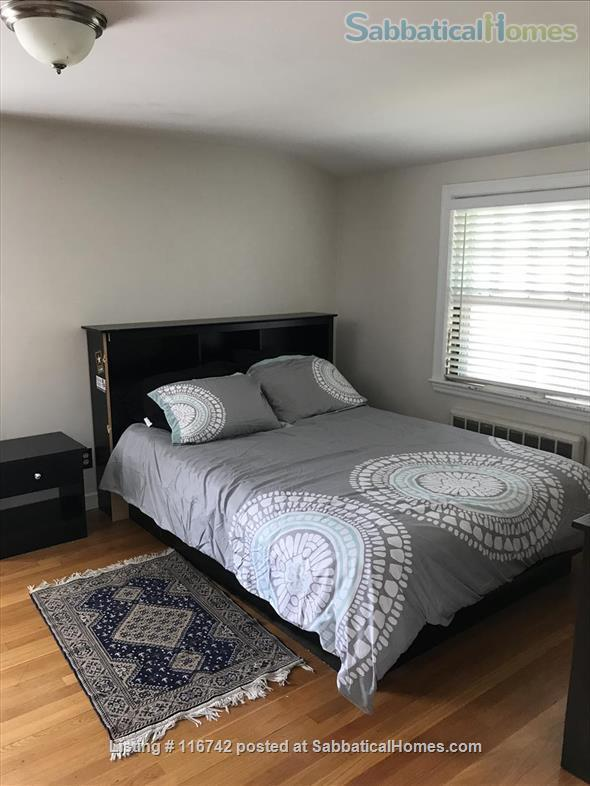 3 Bedrooms furnished / w Parking / Close bus to Harvard Sq.  Home Rental in Belmont, Massachusetts, United States 8