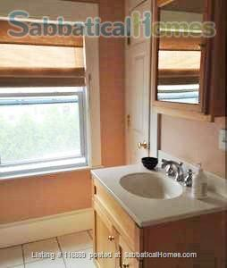 Fully-furnished 4-bed home in W. Medford-access to Cambridge/Somerville/Bos Home Rental in Medford, Massachusetts, United States 9