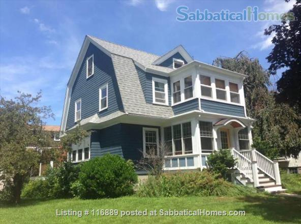 Fully-furnished 4-bed home in W. Medford-access to Cambridge/Somerville/Bos Home Rental in Medford, Massachusetts, United States 1