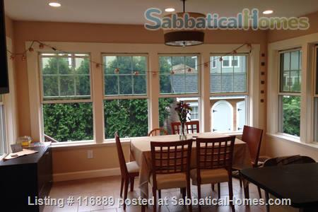 Fully-furnished 4-bed home in W. Medford-access to Cambridge/Somerville/Bos Home Rental in Medford, Massachusetts, United States 2